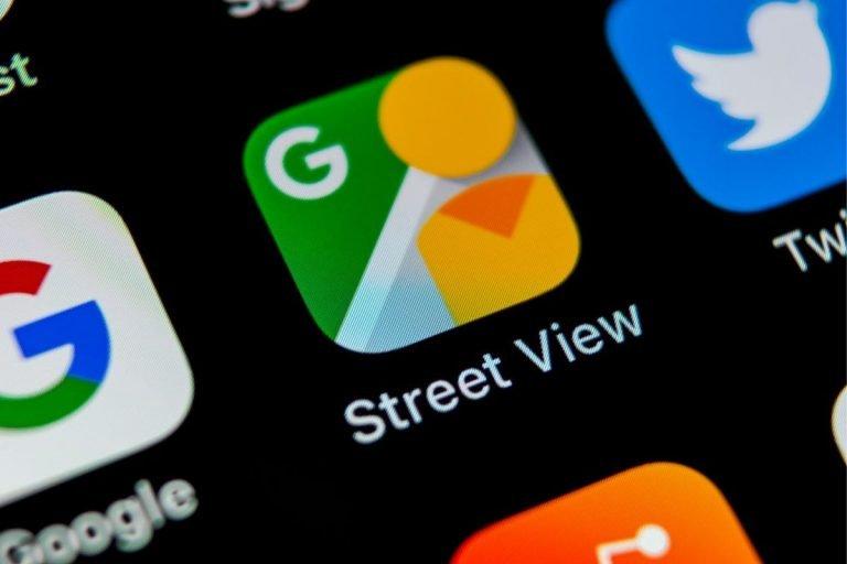 Los familiares congelados en el tiempo en Google Street View
